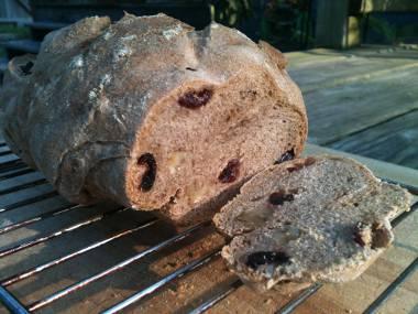 Cranberry-walnut bread