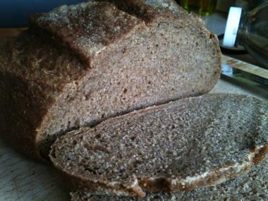 Molasses spelt bread