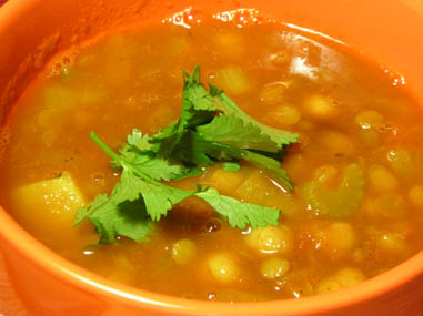Tangy lentil and chickpea soup